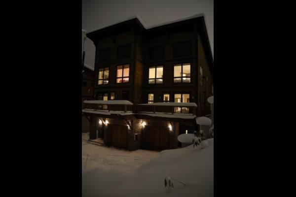 Luxury Apartment Tsuru 1