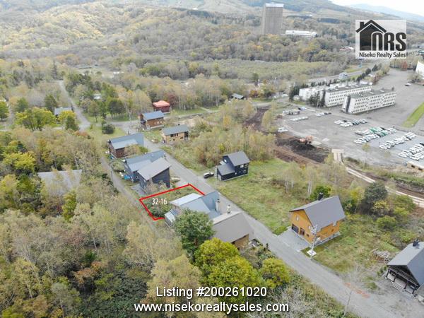 Rusutsu_ShinsetsuEstate_32-16_Photo1 - Showing Rusutsu Shinsetsu Estate and Block location in upper end of Estate.